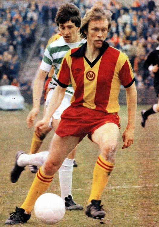 Campbell, Jackie v Celtic.jpg
